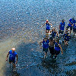Groupe de personnes participant au Dead End Race